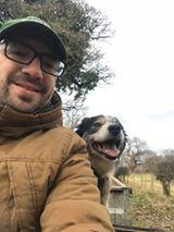 丹尼斯·塔克——我的狗和我的香肠。工作